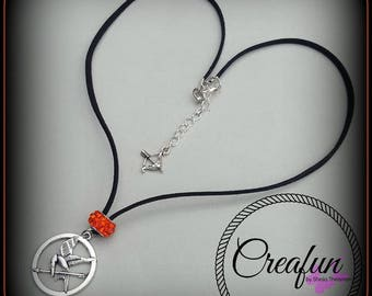 short necklace inspired by hunger games and the mocking Jay
