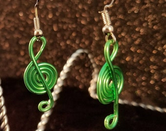 Green Wire Treble Clef Earrings, Christmas, Caroling, Music,