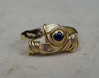 Ring 18 K gold, sapphire ring, small ring, gemstone ring, unique ring recycled gold ring gold Sapphire women ring.