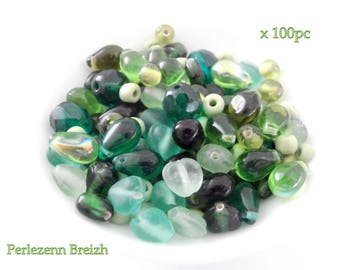 Assortment of 100 different shades of green 4-8mm glass beads