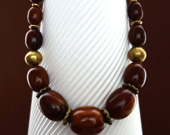 Vintage Bakelite Necklace with Brassbeads
