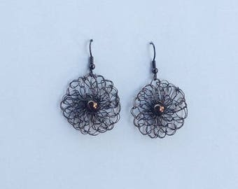 Earrings in copper wire, crocheted, light, current trend.