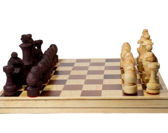 "Handmade Chess. Model ""Puerto"". Foldable Board: 35 x 35 cm."