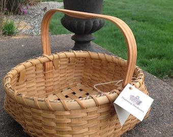 Shaker Square to Round Basket/Hand carved Oak Shaker Square Handle/Napkin Basket/Fruit Basket/Muffin Basket