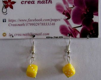 earring of yellow