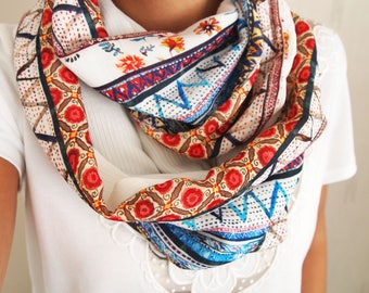 Snood double mid-season, ethnic, graphic floral patterns