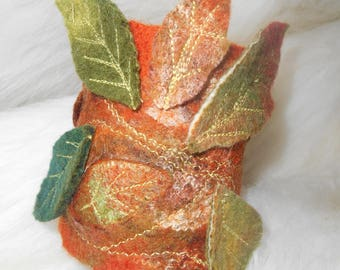 OOAK Cuff Brcelet, Wool Bracelet, Felt Bracelet, Women Cuff Bracelet, Handmade jewelry, Felted leaves, Brown green bracelet, Autumn colors