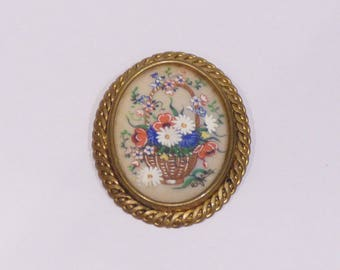 English decor painted fixed coaster basket of colorful flowers, brooch from the 60s