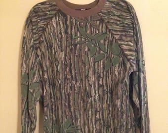 Vintage Liberty Realtree Camo Sweatshirt - L