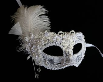 White masquerade mask Masquerade ball mask Women's mask Feather carnival mask Halloween mask White wedding mask Prom mask  Venetian mask