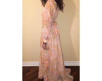 1970S PEACH CHIFFON DRESS - M/L