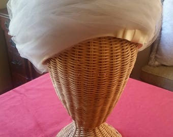 Bullock's Wilshire Net Pillbox Hat