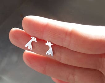 Lovely modern giraffe earring, giraffe stud earring, Bridesmaid gift, Wedding earring, Present ,Holiday gift