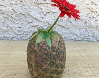 Pineapple Vessel