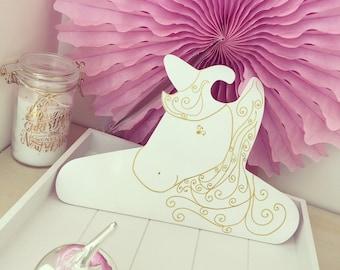 Hanger wood Unicorn gold and white decor, personalized baby girl, French, PLUMESETCONFETTIS creation