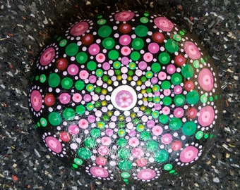 Pierre Mandala Star Pink and green hand painted