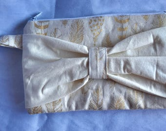 Gold Feathers Bow Clutch Purse