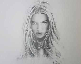 Denise Richards - Portrait in pencil - 001