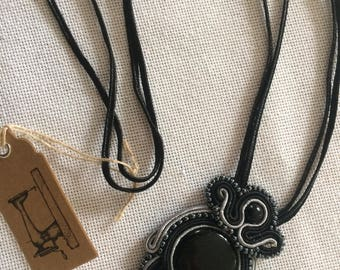 Vozlana necklace - black and gray
