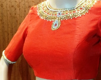 Necklace blouse in Red