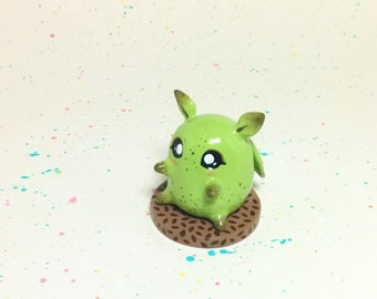 Mini Critter #6 - Leaf Creature Figurine