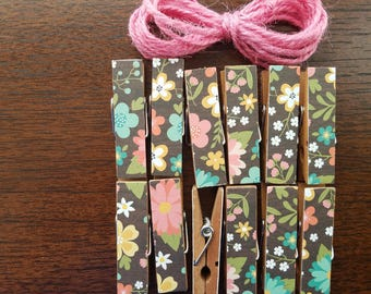 Springtime Wedding Shower Clothesline Gift, Farmhouse Garden Wildflowers, Chunky Mini Clothespin Clips w Twine, Set of 12, Retro Shabby Chic