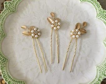 Gold Leaf Hair Pins.Rhinestone Leaf Hair Pins.SECOND.Bridal headpiece.Leaf fascinator.hair accessory.wedding.hair piece.Crystal.Set of 3.