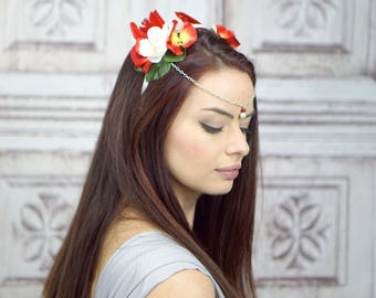Red and White Floral Crown Diadem, Woodland Circlet, Flower Crown, Fairy Crown, Elven Headdress, Costume Headpiece, Flowercrown, Headband