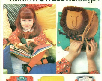 VOGUE  1959 Child's Quiet Teaching Book 1970s Learn To Tie, Braid, Snap, Button and Manipulate w/ Fingers IT'A A ZOO