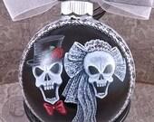 Wedding Skulls Ornament, Bride & Groom Skull, Gothic Wedding Ornament, Bride Skull Lace Bow Headpiece, Groom Skull Black Top Hat Red Bowtie,