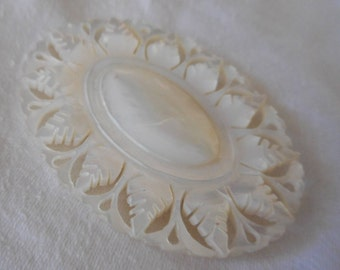 Large VINTAGE Oval Pierced Bethlehem Iridescent Mother of Pearl Shell Costume Jewelry Brooch