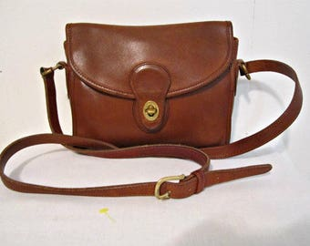 Vintage Unisex Coach, Coach Messenger Bag,  Coach Cross Body, Coach Brown Tanned Leather. Made in USA Coach Bag