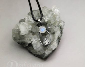 Tiny owl under the Moon - silver pendant with a moonstone