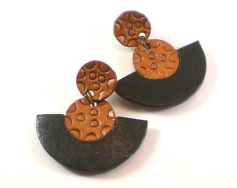 Leather Two Toned Hand Tooled Post Pierced Dangle Fan Earrings Vintage Jewelry