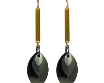 Monochrome Musings with Gold A Simple Petal Earrings