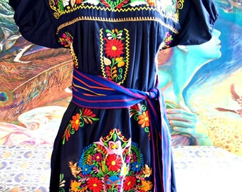 Mexican dress, Embroidered dress, Midnight Blue, Frida Kahlo, size XL