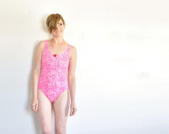 pink floral print cotton leotard . 1990 work out swimsuit . 1 pc rose bathing suit .medium