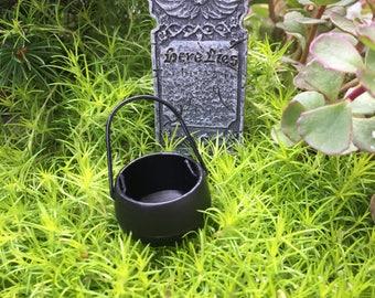 Miniature Cauldron, Black Mini Pot With Handle, Dollhouse 1:12 Scale Miniature, Dollhouse Accessory, Dollhouse Decor, Halloween