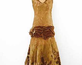 Vintage 1920s flapper dress/Lucious Velvet/Metallic Lame lace/Museum piece