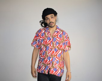 Vintage 1990s American Eagle and USA Flag Patriotic Graphic Red White and Blue Stars and Stripes Short Sleeve Men's Button Up Shirt - MV0427
