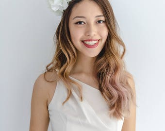 white statement flower crown // spring racing flower crown / derby day white fascinator / spring races flower headband / flower fascinator