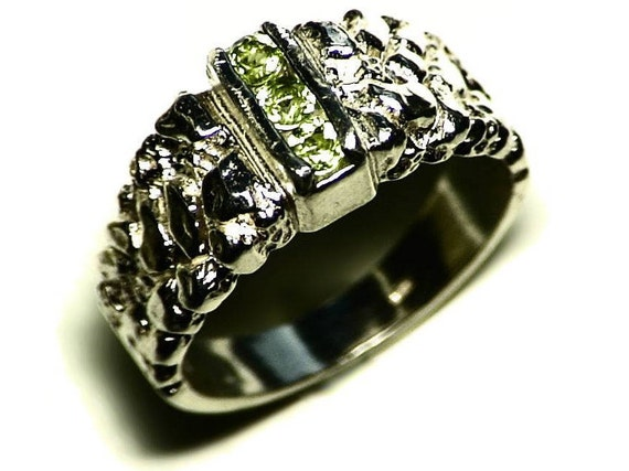 Mens Peridot Ring Size 10 043 tcw Triple Peridot Ring