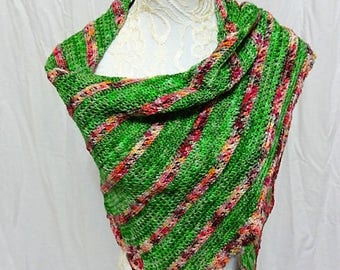 grass green asymetrical crescent shawl with pink contrast