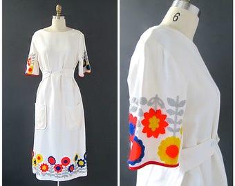 WHAT THE FOLK Vintage 70s Dress   1970s Embroidered White Dress   Summer of Love, Mod, Flower Power, Mad Men, Hippie, Boho   Size Medium
