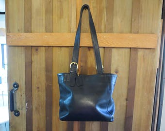 Vintage COACH Black Leather Shoulder Bag Purse 4197 Bucket Bag EXCELLENT