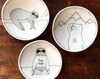 Doodle Range Plate - Mountain Bear Explorer Plate