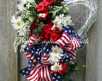 Patriotic Wreath, Fourth of July Wreath, Summer Cottage Wreath, Elegant Patriotic Wreath, Flag Wreath, Patriotic Heart Wreath