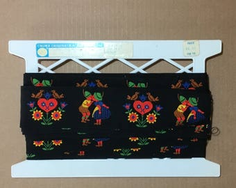 8+ Yards Vintage Decorative Jaquard WOVEN TRIM / Ribbon - German Theme