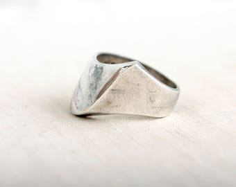 Abstract Mexican Ring Size 8 .5 Sterling Silver Mountain Peak Vintage Modernist Jewelry Super Hero Band Taxco Mexico