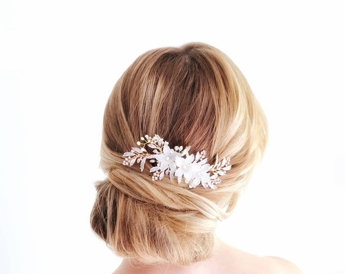 Gold Bridal Headpiece, Wedding Hair Vine, Flower Hair Vine, Bridal Hair Comb, Ivory Flower Hairpiece, Gold Leaf Hair Clip, Weding hair piece